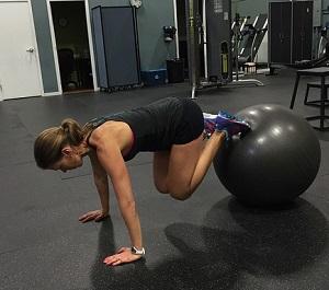 Pilatesboll i gymmet